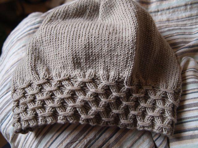 Ravelry: Elvira pattern by Alyssa Heath.  Free hat pattern on Ravelry.  So cute!