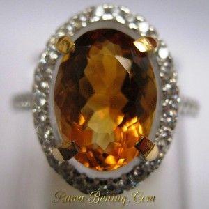 Cincin Citrine Oval Silver Ring 6.5US. Ukuran ring 6.5US idealnya untuk lingkar jari 53.1mm dengan diameter lubang cincin 16.9mm. Kualitas finishing rapih dan tiap sudut lebih di tumpulkan untuk mencegah tersangkut di saku.