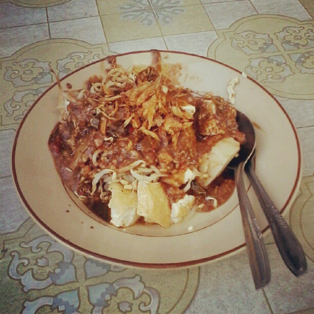 Kupat Tahu #Indonesian #WestJava #Tasikmalaya #Culinary #Food - @pamzrinaldi- #webstagram