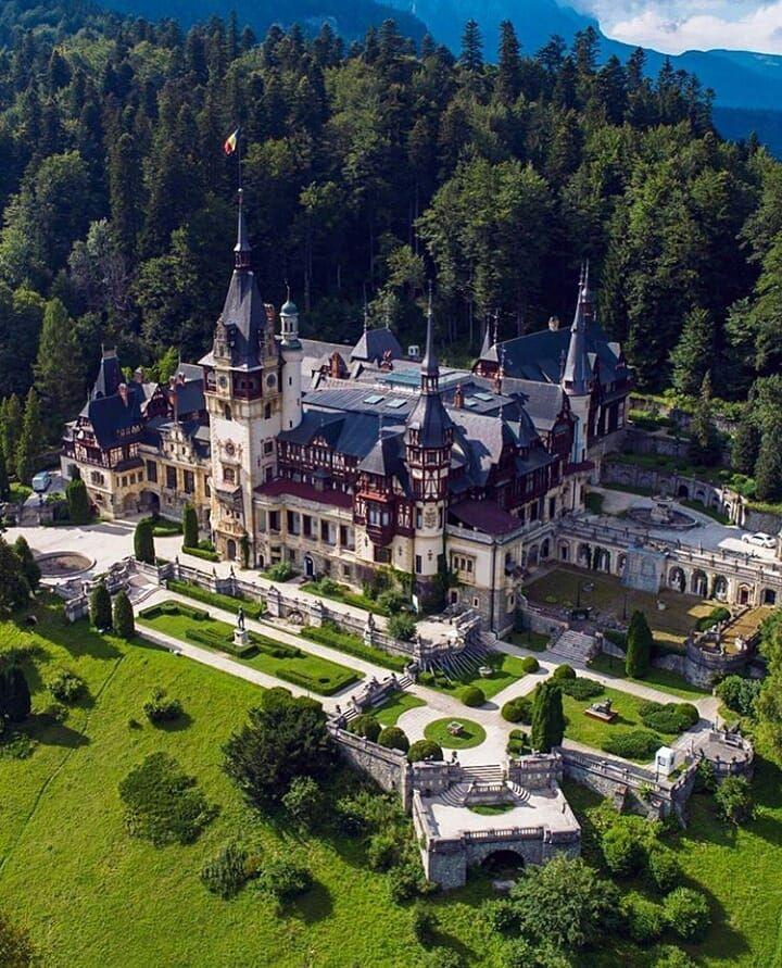 Castles Fairytales World On Instagram Tag Castellidelmondo Odhunte Location Castelulpeles Romania Pic Peles Castle Castle Beautiful Castles
