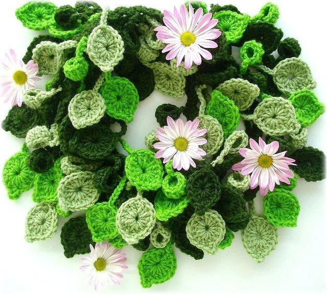 Mil folhas, cachecol de crochê by Lidia Luz, via Flickr