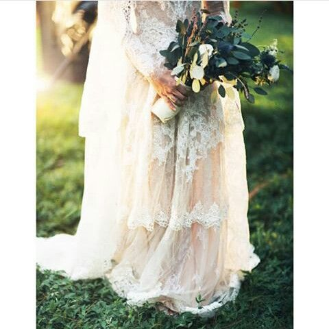 Simple flower for handbucket #andienippewedding