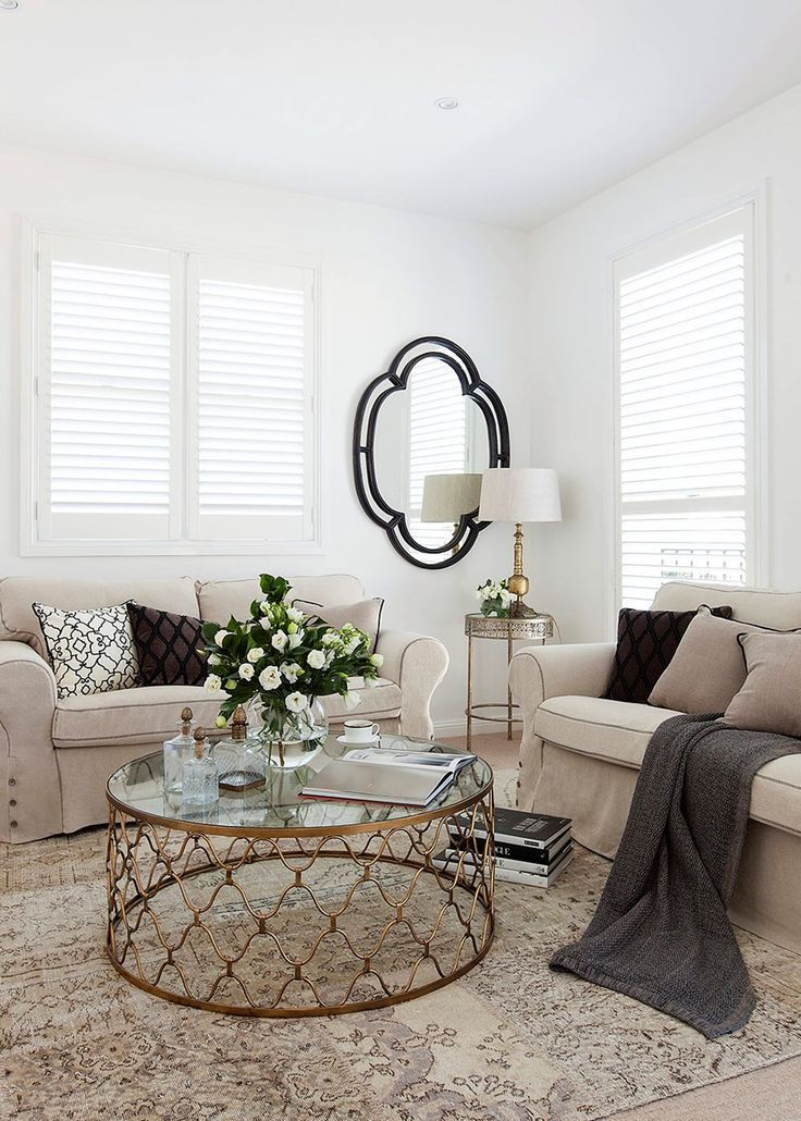 Hamptons-style living room makeover. The beauty of this makeover is that it is purely decorative – new textiles and accessories came together to create a completely new look for the under-utilised room, with the help of interior designer Tahn Scoon.