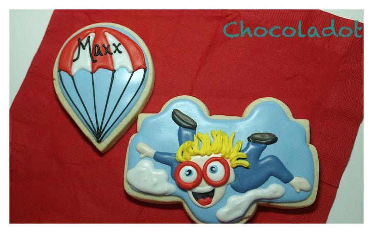 Skydiver & parachute  By Chocoladot http://www.chocoladot.com