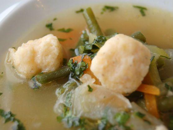 TV Paprika - Zeleninová polévka se sýrovými knedlíčky