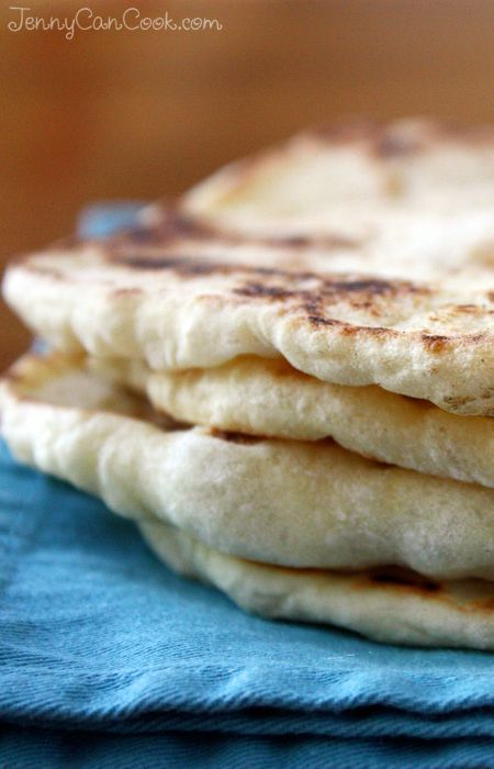 Quick and Easy Flatbread recipe from Jenny Jones (JennyCanCook.com) - Make soft and puffy flatbreads in 30 minutes. There's a whole wheat version too. #JennyJones #JennyCanCook #Flatbread