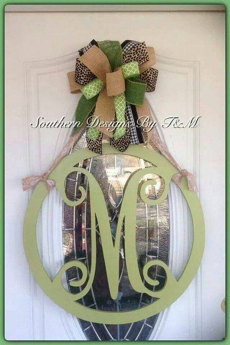 Check out this item in my Etsy shop https://www.etsy.com/listing/215953931/beautiful-circle-frame-initial-door