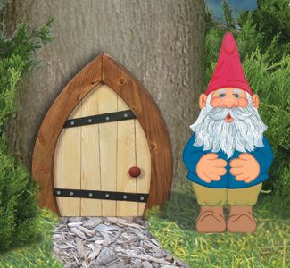 I really should make these for my garden. :) Ever since I watched Gnomeo and Juliet, I'm hooked on Gnomes.