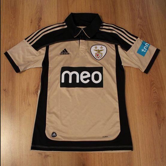 2011-2012 Away