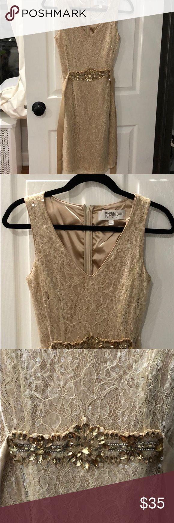 Badgley mischka beige sequin dress with belt. Badgley mischka beige sequin cocktail dress with embellished belt. Size 6. Perfect condition. Badgley Mischka Dresses Midi