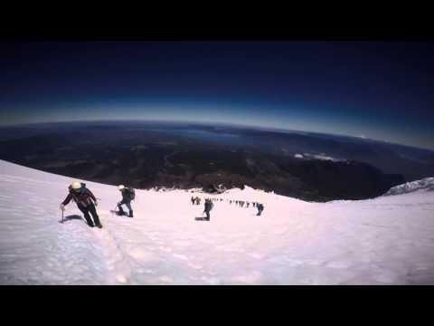 EAT SLEEP TRAVEL Volcan Villarrica Pucón au Chili - YouTube