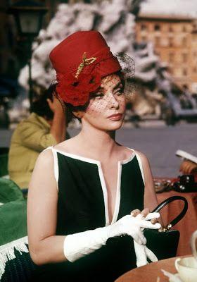 il ventaglio di piume: Un piccolo omaggio a Gina Lollobrigida...