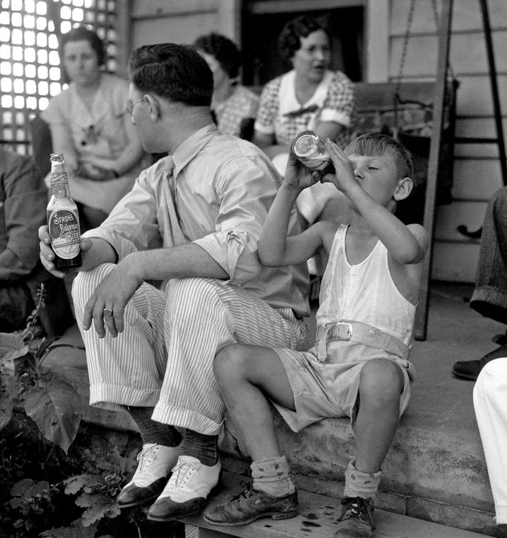 """Shorpy Historical Photo Archive :: """"Circa 1935 family portrait by my grandfather Howard McGraw, a photographer for the Detroit News for almost 40 years, of his brother and a thirsty young nephew. Scanned from a 4x5 negative."""""""