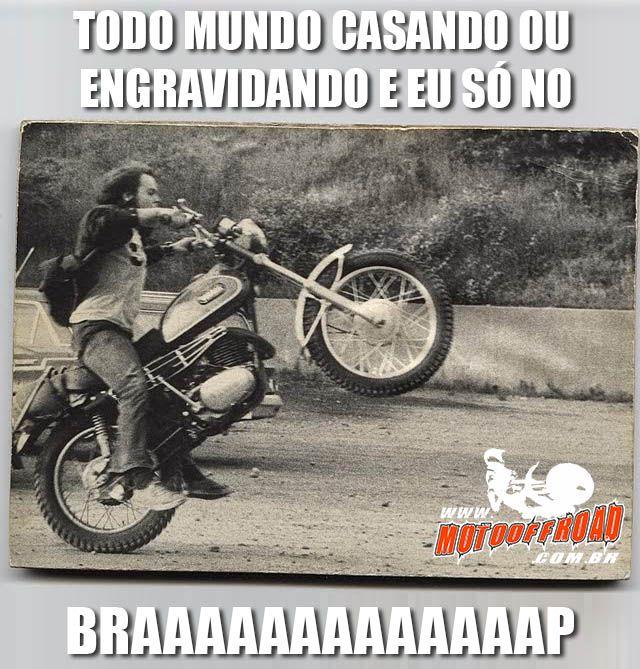 Todo mundo casando ou engravidando e eu braap!  Enquanto isso em minha vida... #Braap! Acesse: www.motooffroad.com.br #motocross #mx #mxgirl #MotoOffRoad #freestyle #ride #goride #lifestyle #amotrilha #rider #motocrosslife #endurocross #enduro #mxlove #trilha #vidadetrilheiro #vamostrilhar #partiutrilha #amomoto