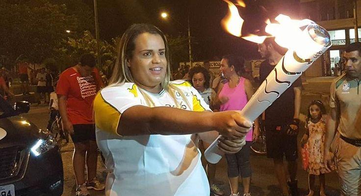 Tocha Olímpica tem primeira condutora transexual.