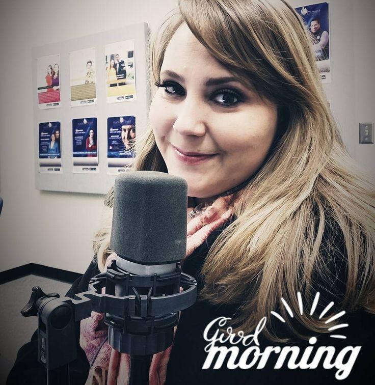 #Goodmorning #Chicago ya estamos en vivo desde los estudios de RADIO Claret América con las noticias más importantes para la comunidad hispana en los Estados Unidos. Te espero. Sintonizanos des http://ift.tt/2oDBV2c desde cualquier parte del mundo #news #anchor #WindyCity #hispanic #latina #latism