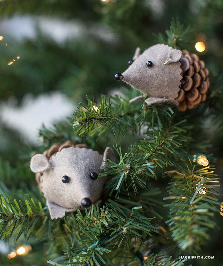 Create cute felt pinecone hedgehogs using pinecones from your backyard with this DIY tutorial from Lia Griffith. Put them in a basket, on a table or on your Christmas tree for fun and festive décor.