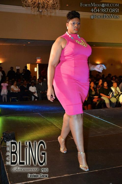"""Telethia Penn. 6'3"""". Big Women. #TelethiaPenn #TallWomen # ..."""