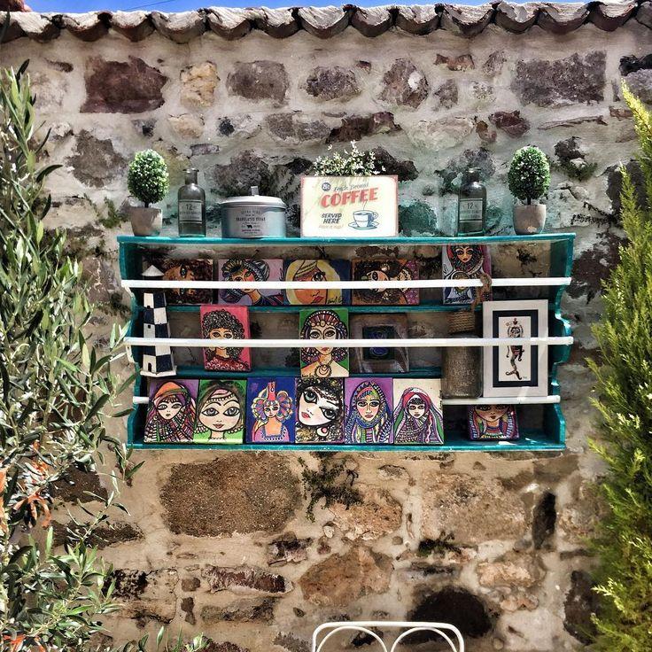 Ladivabutik#otel#cafe#avlu#dekor#eskiahsap#terek#sanat#yuzler#ayvalik#tasotel #tasotel #woodart #olddoors #cafedesign # http://turkrazzi.com/ipost/1523845087396824905/?code=BUlyQiHAwdJ