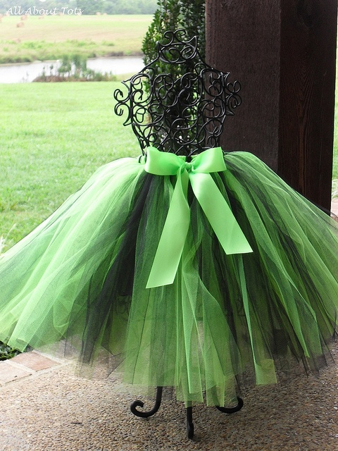 omgTulle Skirts, Halloween Costumes, Green, Dresses Form, Ana Rosa, Bows, Black Tutu, Limes, Parties Decor