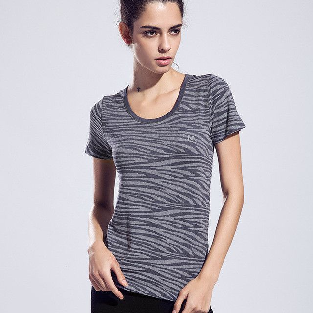 Colorful Women Fitness Sports Shirt Stripe Printed Yoga Top Running Tights Ladies Gym Clothes Sexy Female Shirts Sports Clothing