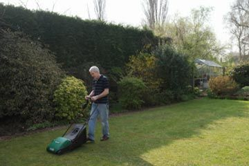 How Lawn Mowers Work - HowStuffWorks