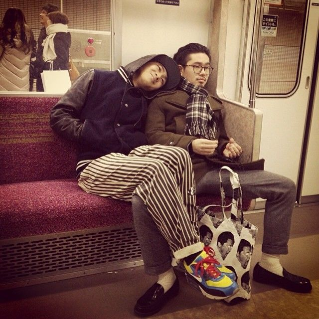 hama&reiji on a train