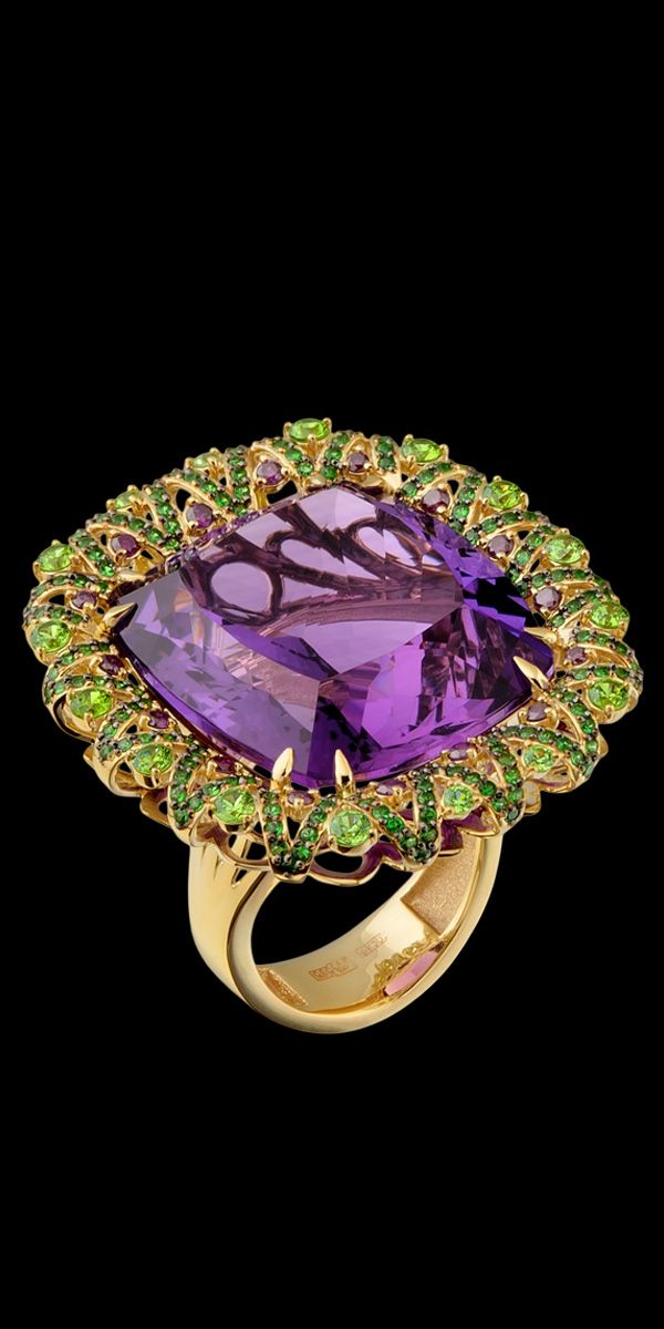 Master Exclusive Amethyst Jewellery - Коллекция - Solo 750 Yellow Gold, Amethyst 42,13 ct, fioletovye Diamond, Tsavorite and Diamond Ring.