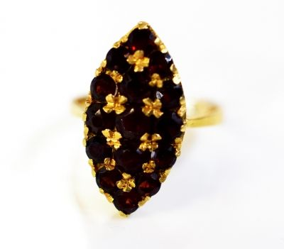 Would make a lovely Christmas gift. #garnet #victorian