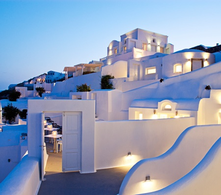 Luxury Suites in Oia Santorini | Accommodation Oia Hotel Rooms Suites