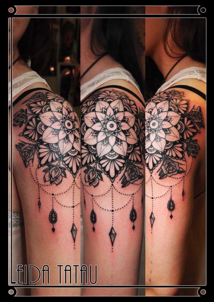 Tatouage Rose Mandala Epaule