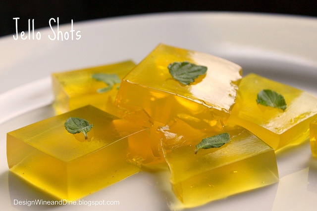 Island Pineapple, Coconut Oolong Tea infused, White Rum, Tequila Jello Shots