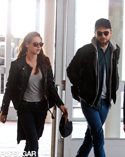 Exclusive!! Robert Pattinson and Kristen Stewart arrived at JFK. 50+ pics here!