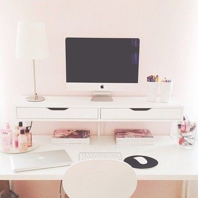 skrivebord, lyserødt, feminint