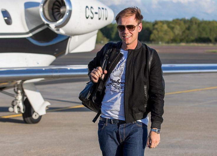 Hurmav klubikunn Armin van Buuren tõmbas Eesti suve käima korraliku rahvareiviga