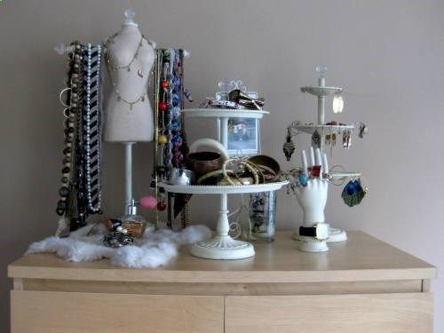 Glamour Avenue Parties the Blog.: Organizational Wednesday: Jewelry Display Ideas
