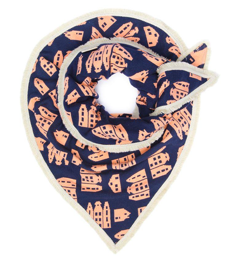 De+Shawl+Knitted+Houses+van+POM+Amsterdam+is+een+prachtig+design,+ge