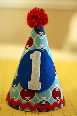 DIY fabric birthday hat - Need to make one of these!