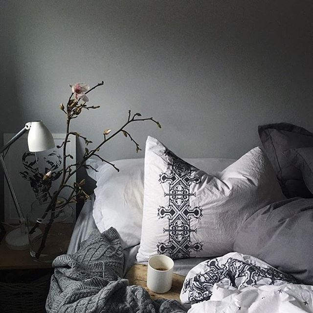☕️☕️☕️ [ that Monday morning feeling ] Credit: @earlymorningheart  #interior #interiorideas #interiorinspo #interiorinspiration #interiordesign #interiorstyling #interior123 #interior4all #homedecor #homestyle #bedroom #bedroomdecor #coffee