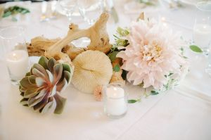 This, my friends, is what I call an amazing start to the weekend. A blush-hued, light-filled day of Southern California beauty styled to perfection byChic Celebrations that literally makes you w...