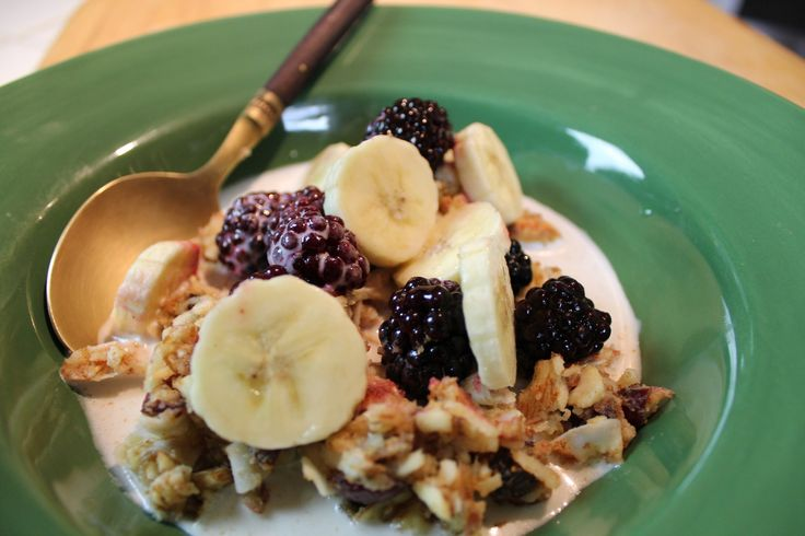 Muesli - Raw Morning Cereal with Almond Milk #rawfoodbreakfast CLICK for the recipe @mimikirk