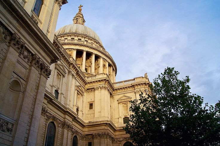 St. Paul's Cathedral looking amazing in the sun
