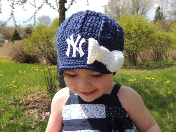 Handmade New York Yankees Crochet Girls Newsboy Hat with patch and bow / Major League Baseball / Photo Prop / Custom Made... Love it