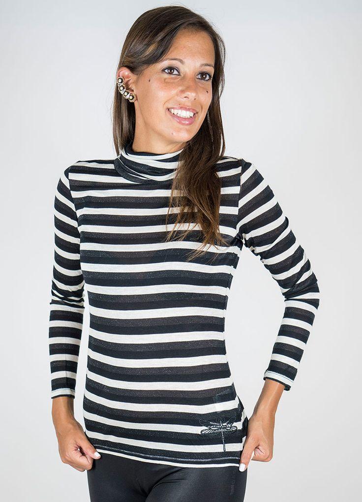 T-shirt collo anello leggero, righe avorio/nera/lurex. Colore: Bianco e nero