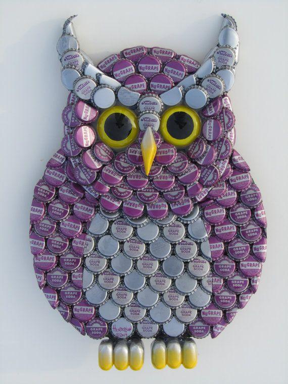 Buho Metal arte botella tapa buho púrpura arte de la pared con tapas de botellas de Soda de uva Nugrape