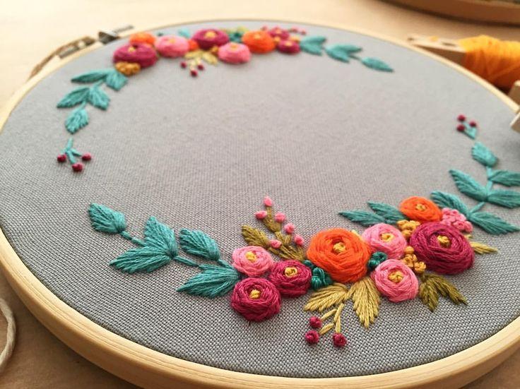 "541 Beğenme, 5 Yorum - Instagram'da @zezehandcraft: ""Handmade happiness .. . . . . . . #embroidery #embroider #embroideryhoops #embroideryartist…"""