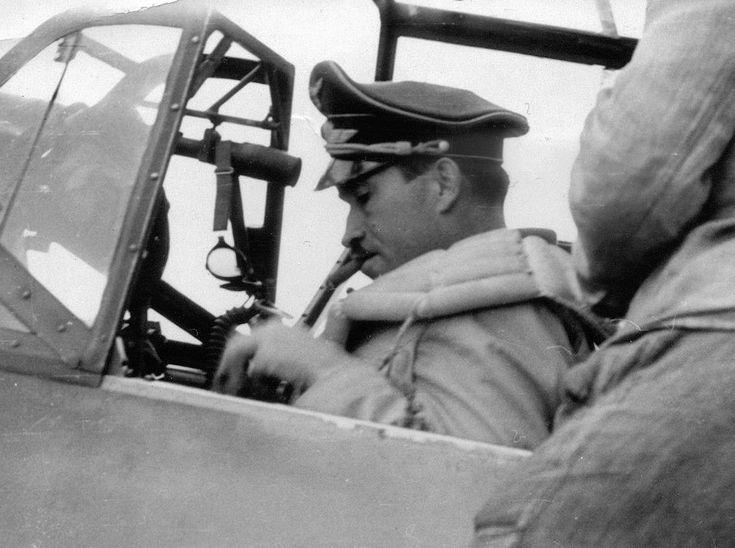 Messerschmitt-Bf-109E4-Stab-JG26-(-+-Adolf-Galland-WNr-5819-gets-ready-for-flight-France-1940