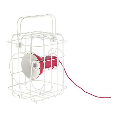 IKEA - IKEA PS 2017, Illuminazione multiuso a LED, Puoi ricaricare la lampada tramite porta USB o una presa elettrica standard.Se vuoi spostare la lampada, devi semplicemente scollegare la batteria e riavvolgere il cavo.Il manico è facile da togliere e da spostare grazie alle clip con cui è fissato.Funziona a LED, che consumano fino all'85% di energia in meno e durano 20 volte di più delle lampadine a incandescenza.