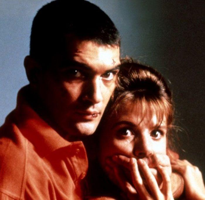 """Antonio Banderas y Victoria Abril en """"¡Átame!"""", 1989"""