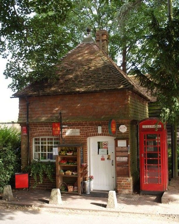 King Alf Visit Winchester On Instagram Did You Know Sparsholt Is Home To The Smallest Post Office In The Uk Spars Winchester House Styles Post Office